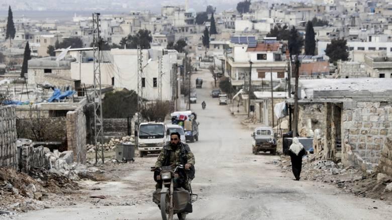 Τουρκική φάλαγγα έφτασε στην Ιντλίμπ – Συζητήσεις για ρωσοτουρκικές περιπολίες