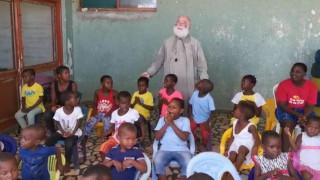 Επίσκεψη του Πατριάρχη Θεόδωρου σε ορφανοτροφείο της Μοζαμβίκης