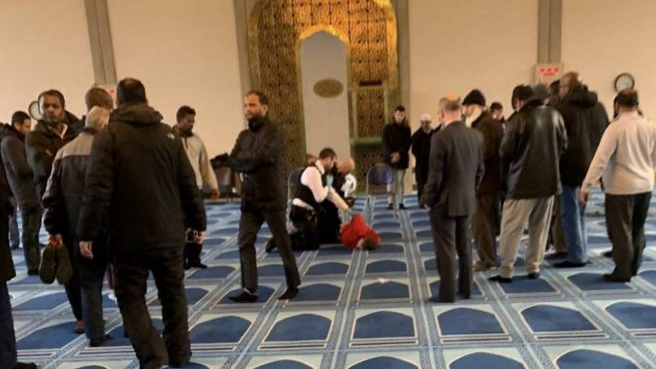 Επίθεση με μαχαίρι σε τζαμί στο Λονδίνο