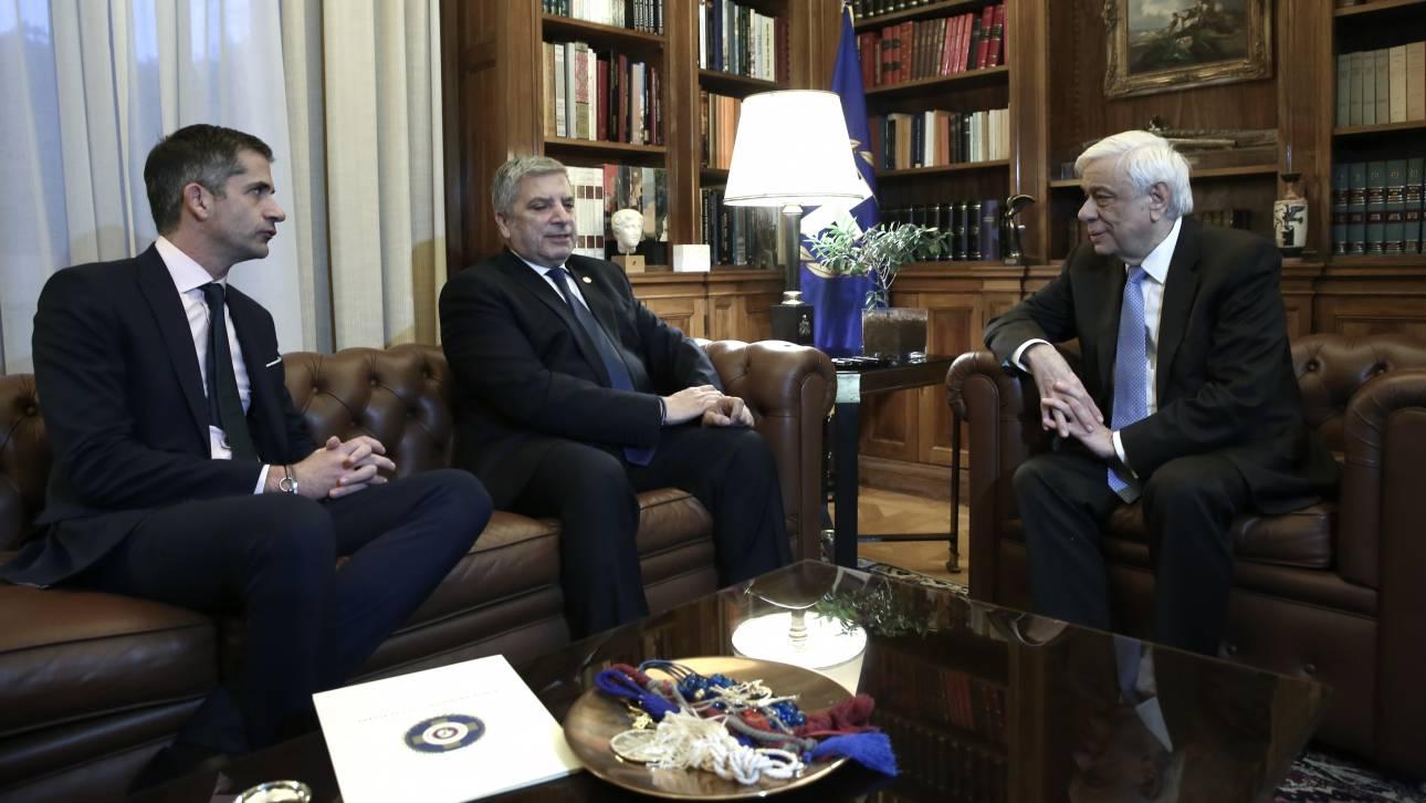 Συνάντηση Παυλόπουλου με Πατούλη και Μπακογιάννη για τη μετατροπή του κτηρίου ΕΑΤ-ΕΣΑ σε μουσείο