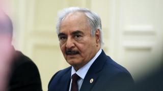 Χαφτάρ: Εκεχειρία μόνο αν αποσυρθεί η Τουρκία από τη Λιβύη
