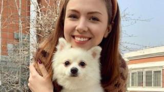 Κοροναϊός: 22χρονη αρνήθηκε να φύγει από τη Γουχάν χωρίς τον σκύλο της