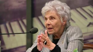 Κική Δημουλά: Δημοσία δαπάνη η κηδείας της - Εκδηλώσεις για να τιμηθεί η μνήμη της