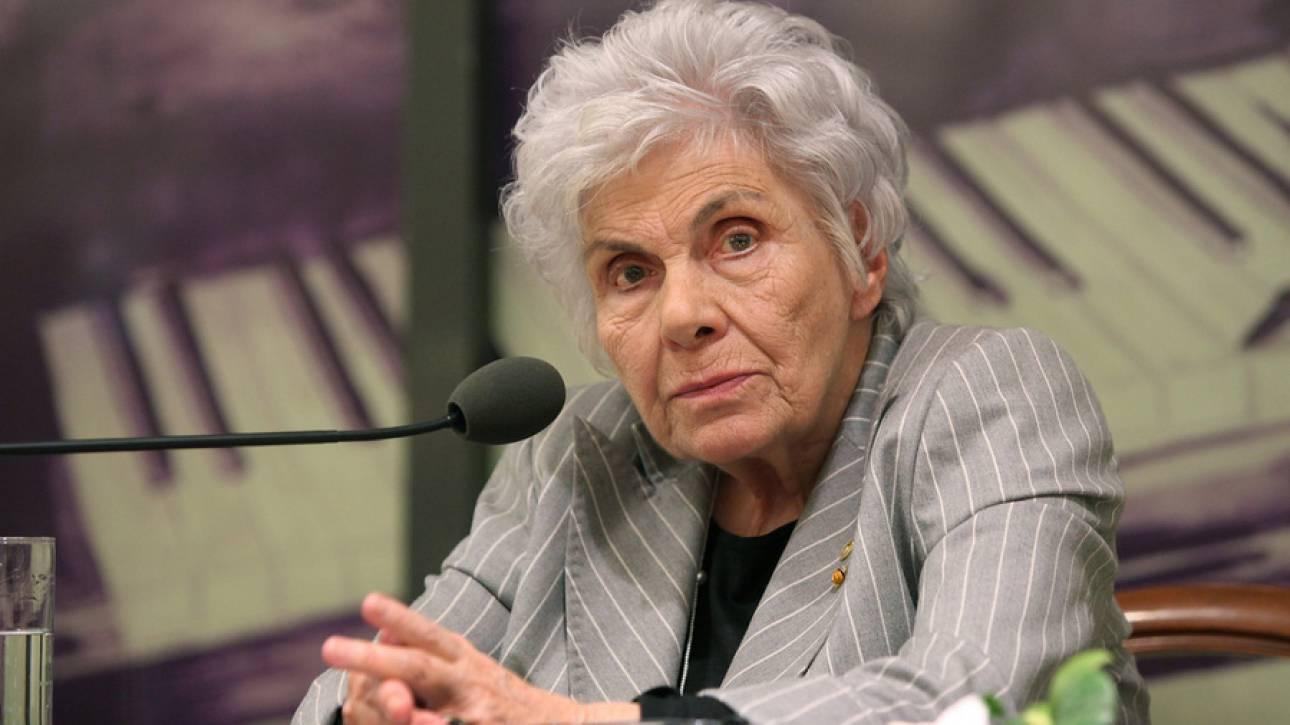 Κική Δημουλά: Την είχε προτείνει για Νόμπελ Λογοτεχνίας η υπουργός Πολιτισμού