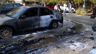 Φωτιά σε αυτοκίνητο στον Πειραιά τα μεσάνυχτα