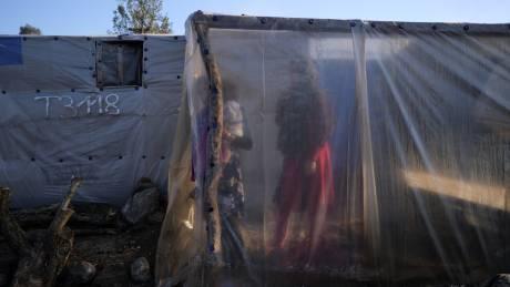 Προς «μετωπική» για το προσφυγικό: Ανυποχώρητη η κυβέρνηση, «θέσεις μάχης» παίρνουν οι νησιώτες
