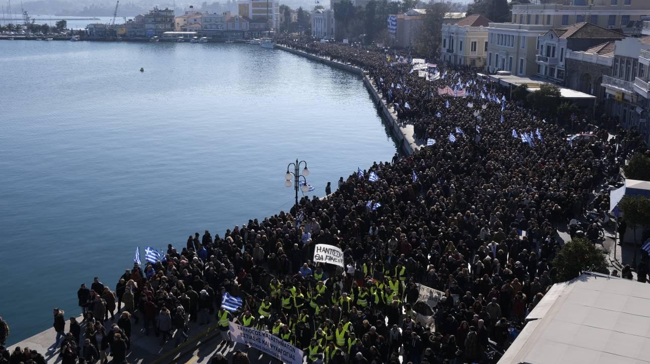 «Ζητήσαμε συνάντηση με τον πρωθυπουργό»: Σε αναβρασμό τα νησιά για τις νέες δομές προσφύγων