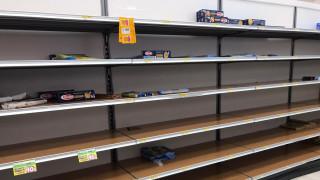 Κοροναϊός: Συρρέουν στα σούπερ μάρκετ οι Ιταλοί - Άδεια τα ράφια