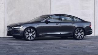 Η Volvo ανανεώνει τα S90 και V90 και τα εξοπλίζει και με ήπια υβριδικά σύνολα