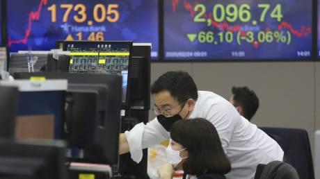«Σφυροκόπημα» στις αγορές λόγω κοροναϊού – «Βουτιά» 8,36% στο Χ.Α.