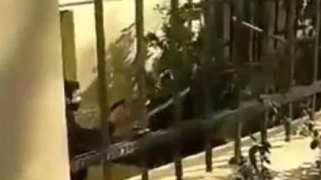 ΑΣΟΕΕ: Ερωτήματα από ΣΥΡΙΖΑ και ΚΙΝΑΛ για τον αστυνομικό που τράβηξε όπλο