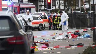 Επίθεση με όχημα στη Γερμανία: Δεκάδες οι τραυματίες - Μυστήριο με το κίνητρο του δράστη