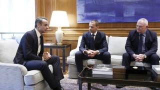 Συνάντηση Μητσοτάκη με την ηγεσία UEFA - FIFA