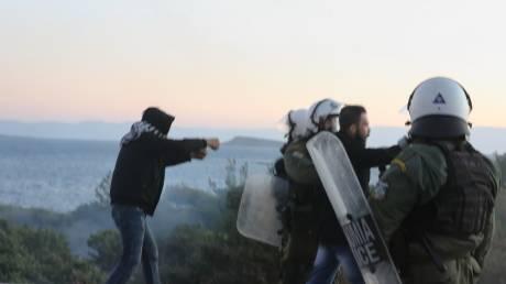 Προσφυγικό: Νέα επεισόδια στη Μυτιλήνη – Συγκρούσεις, χημικά και κρότου - λάμψης