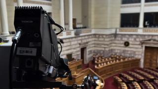 Προσφυγικό: Κόντρα στη Βουλή για τα επεισόδια στα νησιά