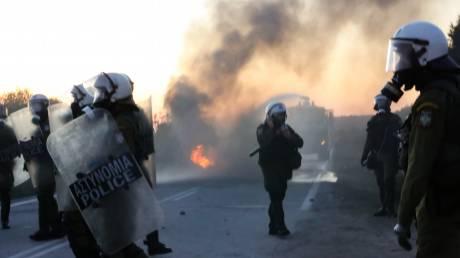 Προσφυγικό: Στα ύψη η ένταση στη Μυτιλήνη - Νέος γύρος επεισοδίων