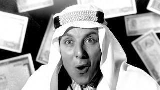 Χιούμορ, ατάκες και επιτυχία: Η απίστευτη καριέρα του Κώστα Βουτσά μέσα από φωτογραφίες
