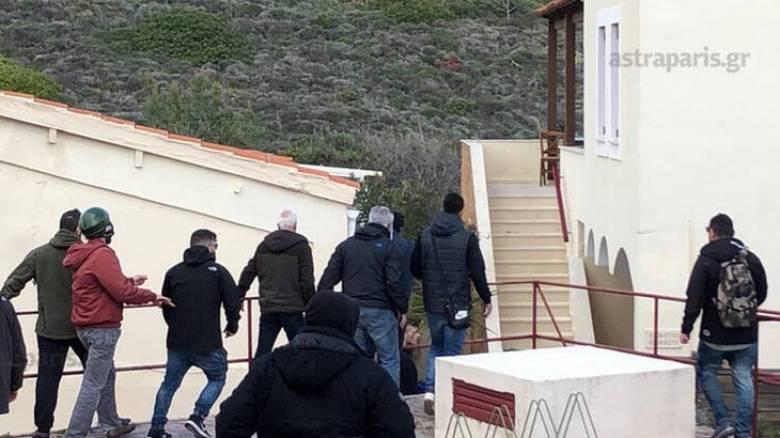 Χίος: Εισβολή κατοίκων σε ξενοδοχείο όπου μένουν αστυνομικοί – Πέντε τραυματίες