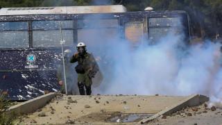Πεδία μάχης Μυτιλήνη και Χίος: 61 τραυματίες μετά από συγκρούσεις