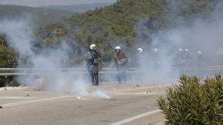Μυτιλήνη: Επεισόδια στο Διαβολόρεμα μεταξύ διαδηλωτών και αστυνομίας