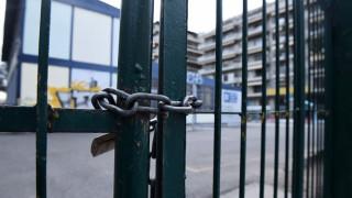 Κοροναϊός στην Ελλάδα:  Κλείνει το σχολείο που πηγαίνει ο γιος της 38χρονης