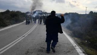 Προσφυγικό: Αμήχανη η κυβέρνηση μπροστά στις αντιδράσεις – Αναζητά λύση στο θέμα των κλειστών δομών