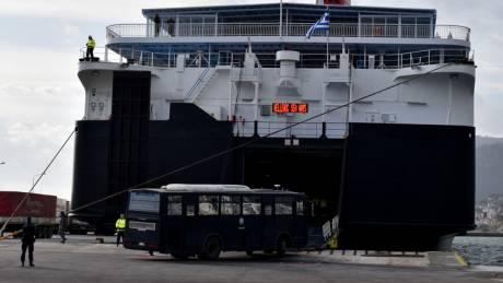 Επιχείρηση εκτόνωσης στα νησιά: Επιστρέφουν στην Αθήνα όλες οι διμοιρίες ΜΑΤ