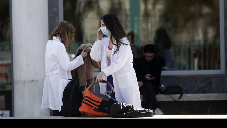 Κοροναϊός στην Ελλάδα: Τρία συνολικά τα κρούσματα του ιού στη χώρα μας - Πρώτο στην Αθήνα