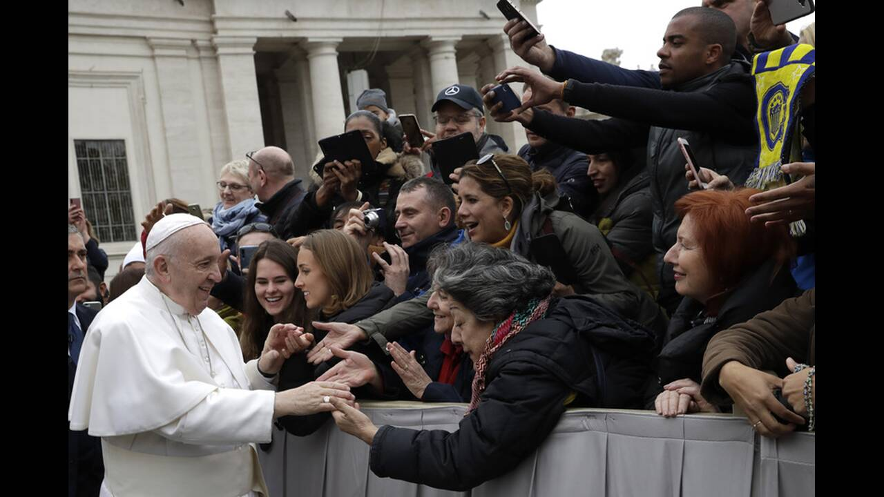 https://cdn.cnngreece.gr/media/news/2020/02/27/209204/photos/snapshot/pope-francis-5.jpg
