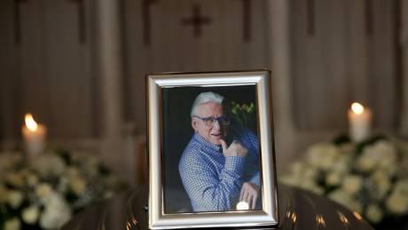 Κηδεία Κώστα Βουτσά: Σήμερα το «τελευταίο αντίο» στον αγαπημένο ηθοποιό
