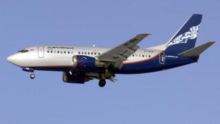 Θρίλερ στον αέρα: Αναγκαστική προσγείωση Boeing λόγω ρωγμής στο τζάμι του πιλοτηρίου