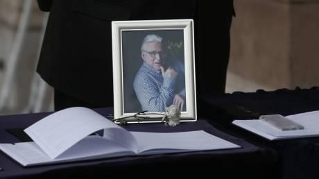 Κηδεία Κώστα Βουτσά: Η Ελλάδα αποχαιρετά τον μεγάλο ηθοποιό