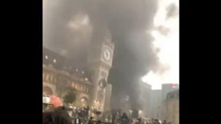 Καίγεται ιστορικός σιδηροδρομικός σταθμός στο Παρίσι