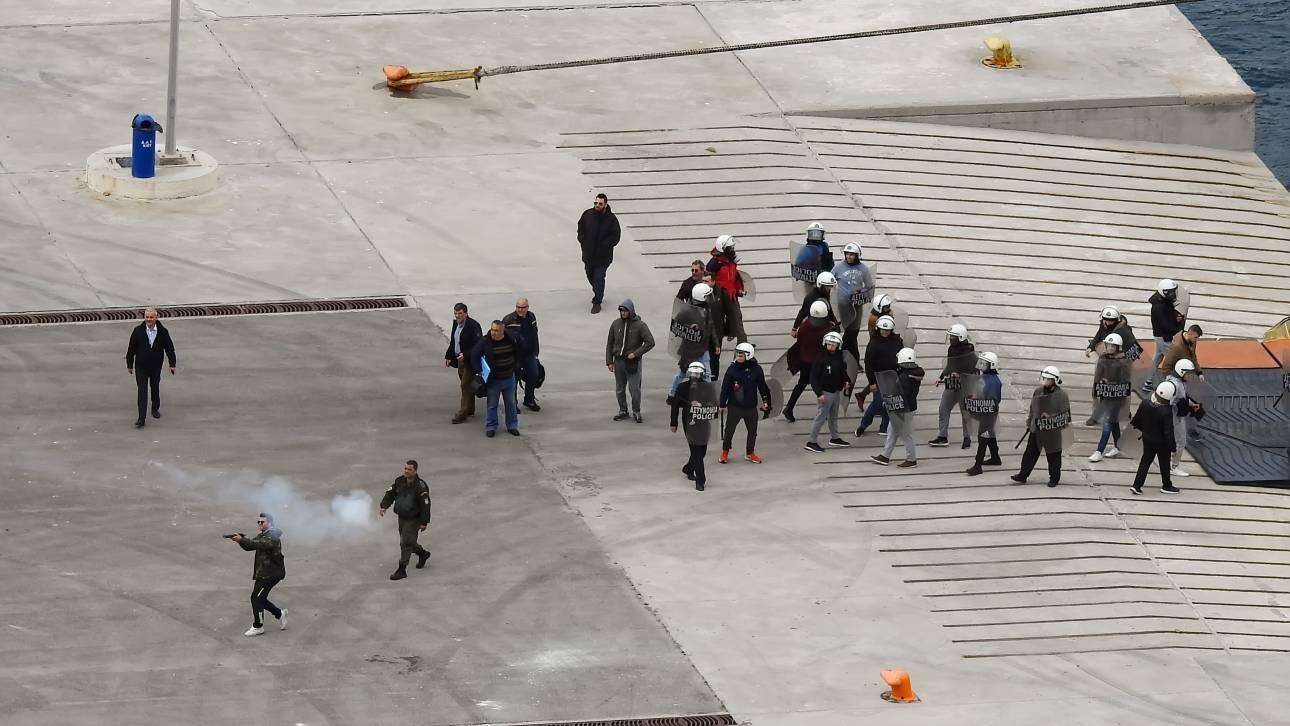 Είκοσι μία συλλήψεις για τις επιθέσεις εναντίον των ΜΑΤ σε Χίο και Μυτιλήνη