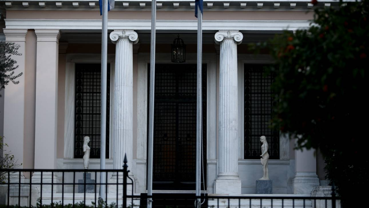 Σενάρια «απόκρουσης» των οικονομικών συνεπειών του κοροναϊού εξετάζει η κυβέρνηση