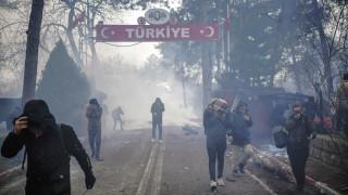Κάλεσμα μεταναστών και προσφύγων στα ελληνικά σύνορα μέσω Telegram - WhatsApp