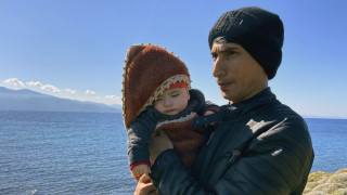 Μπλόκα κατοίκων και μαζικές αφίξεις προσφύγων στα νησιά του Βορείου Αιγαίου