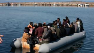 Μυτιλήνη: Μεταφέρθηκαν στη στεριά οι πρόσφυγες και μετανάστες από τις βάρκες