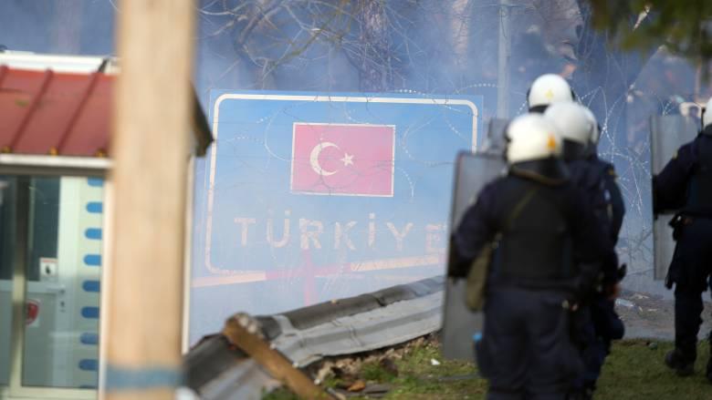 Δήμαρχος Ορεστιάδας στο CNN Greece: Ρίψη χημικών στους Έλληνες αστυνομικούς