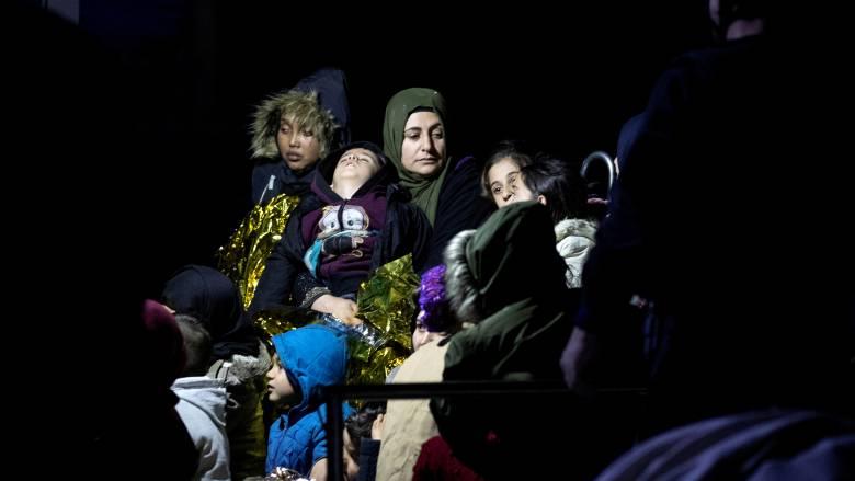 Περίπου 1.000 πρόσφυγες και μετανάστες πέρασαν σε ελληνικά νησιά το τελευταίο 24ωρο