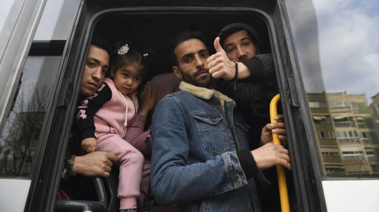 «Αβρούπα, Αβρούπα»: Έτσι γίνεται η μεταφορά των μεταναστών στα σύνορα