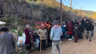 Το CNN Greece στη Μυτιλήνη: Σε εξέλιξη η μεταφορά προσφύγων και μεταναστών σε δομές φιλοξενίας