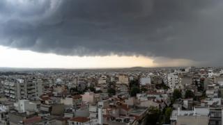 Καιρός: Έντονα φαινόμενα την Τετάρτη - Πού θα «χτυπήσουν» βροχές και καταιγίδες