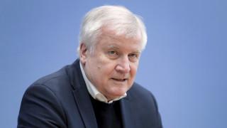 Ζεεχόφερ: Η Ελλάδα κάνει σημαντική δουλειά και η Γερμανία θα τη στηρίξει όπου είναι εφικτό