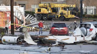 ΗΠΑ: Σαρώνουν οι ανεμοστρόβιλοι το Τενεσί - Δεκάδες νεκροί και τραυματίες