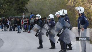Ανταπόκριση CNN Greece από τη Μυτιλήνη: Ένταση στο λιμάνι μετά από ψευδές μήνυμα