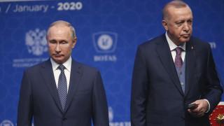 Νέα «πυρά» της Μόσχας κατά της Άγκυρας: «Βοηθούν τους τρομοκράτες»