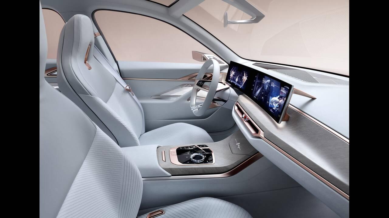 https://cdn.cnngreece.gr/media/news/2020/03/04/209921/photos/snapshot/BMW-CONCEPT-I4-2020-10.jpg