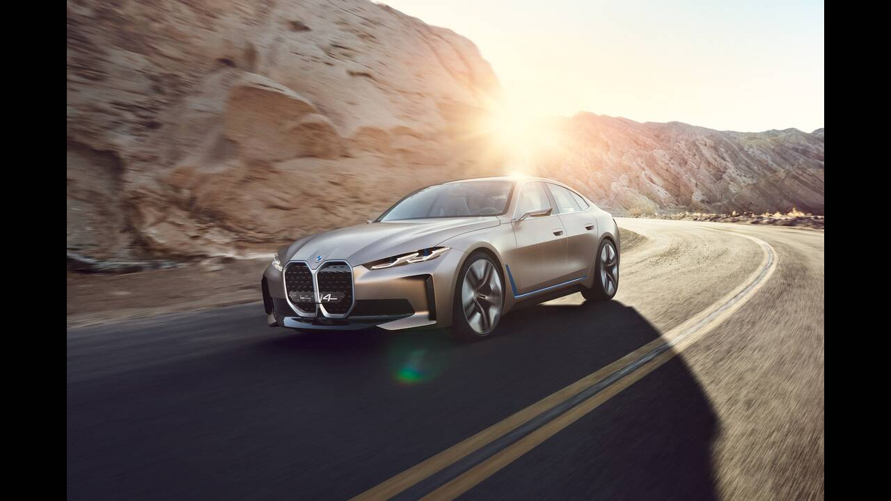 https://cdn.cnngreece.gr/media/news/2020/03/04/209921/photos/snapshot/BMW-CONCEPT-I4-2020-21.jpg