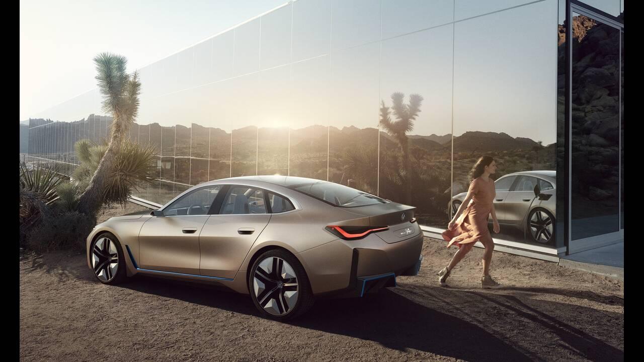 https://cdn.cnngreece.gr/media/news/2020/03/04/209921/photos/snapshot/BMW-CONCEPT-I4-2020-22.jpg